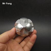 Color plata Fútbol Kong Ming Lock Colección Aleación de aluminio puro Metal Modelo Solución de rompecabezas Brian Teaser Gadget (Número de modelo H321)