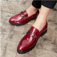 Man red Gentleman Pointed toe brogue  Loafers shoes fashion men's patent leather shoes wedding Business dress LE-49