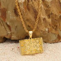 Gros-Hip-hop Holy Cross Bible collier pendentif en cuivre Zircon Pendentif Nouveau Accessoires de mode