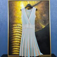 2019 neue Mode Frauen V-Ausschnitt ärmellose Lurex Shinny aushöhlen gestrickte hohe Taille plissiert knielangen Kleid S M L