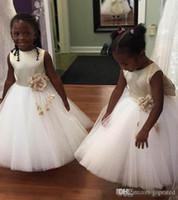 Branco Primavera Comprimento No Tornozelo Flor Meninas Vestidos Para Casamentos de Volta Com Grande Arco Sash Cetim Sash Kids Party Vestidos Formal Wear Custom Made