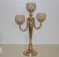 Ny guld 3 armar kristall pärlstav bollar metall kandelabra med blomma skål och hängande akryl pärlor för bröllop dekoration centerpiece best0910