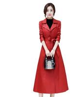 Chegada nova Hot Sale Special Moda Versão Coreana De Fadas De Couro Fêmea Longa Seção Na Altura Do Joelho Blusão de Couro Oco Magro Pele de Ovelha Trench Coat