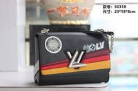 LOU 2019 New Women's Shoulder Bag Stepped Tone Leather Color Blocks with Geometric Kaleidoscope shoulder bags for women Size: 23*18*8cm