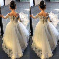 Vestidos Flor Meninas Vintage para casamentos meia manga Pescoço V Lace apliques Trem da varredura da festa de aniversário da criança vestido de Primeira Comunhão Vestido