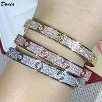 Dona gioielli Braccialetto di lusso Dieci diamanti esagerati in acciaio in titanio micro-intarsiato regali da stilisti europei e americani