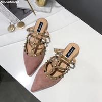 MIULAMIULA бренд-дизайнеры 2018 Мода роскошные заклепки Т-образный ремень женщина указал обувь плоские замшевые слайды скольжения на мокасины мулов 35-40