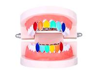 Neue europäische und amerikanische Hip-Hop-Zahnspange Regenbogen Schmuck Vampir-Gold-Zahnspange Bunte helle Reißzähne