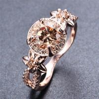 Cluster Ringen Vrouwelijke Champagne Crystal Stenen Ring Sierlijke Rose Gold Big Engagement Charm Hollow Round Wedding for Women