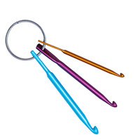 かぎ針編みツールショートかぎ針編みの針のシングルヘッド編み物セーターの針3mm、4mm、5mm 3ピース/セットキーホルダー付き