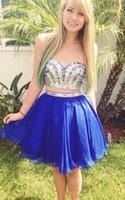 Royal Blue Zwei Teile A-Line Prom Homecoming Kleider Günstige Strasssteine trägerlosen Piping Backless Sweet Graduation Kleid für 15 Mädchen Z51