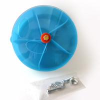 Parrot Foraging игрушки Устройство птицы Укус игрушки колеса Форма Поворотный Birds Puzzle Кормление Food Box yq01078