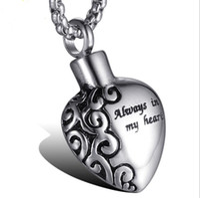 Botella de perfume 316L acero quirúrgico Pet Memorial Ash Urna corazón colgante collar / colgante amor para MenWomen