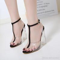 Новые женские туфли на высоком каблуке пряжки сандалии туфли на каблуках знаменитости носить простой стиль пвх прозрачный ремешок