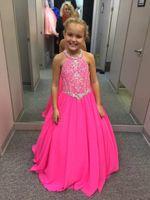 2020 Pretty Fuchsia Frisado Cristais Girls Pageant Vestidos Uma Linha Halter Pescoço Crianças Celebridade Noite Prom Stops Custom Feito GW018