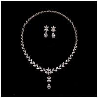 Strass Halskette Ohrring Set Kristall Anhänger Brautschmuck Set Zirkon Halskette Bolzenohrrings für Prom Hochzeit Schmuck