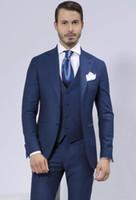 Nuevos trajes de hombre azul personalizados Novios de boda Trajes de padrino de boda de solapa Padrino Mejores trajes de hombre (chaqueta + pantalones + chaleco) Vestido de fiesta 588