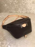 2019 SıCAK satmak YENI Kadın bel çantası kemer çantası erkekler fanny paketi tasarımcı erkekler bel paketi çantası küçük grafiti göbek çanta yeni stil Kahverengi # 6155