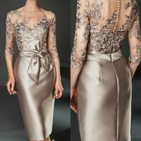 샴페인 2020 신부 드레스의 어머니 무릎 길이 새틴 레이스 Appiqued 신랑 어머니 드레스 결혼식 아랍어 이브닝 드레스