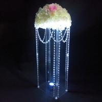 Düğün dekorasyon için sıcak satmak zarif uzun boylu Yeni kare akrilik kristal nikah masası merkezinde pastası standı çiçek tutucu çiçek standı