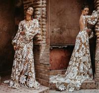 Vintage Böhmische Brautkleider Sexy Backless Sweep Train Eine Linie Appliziert Boho Spitze Brautkleider V-Ausschnitt Langarm Land Hochzeitskleid