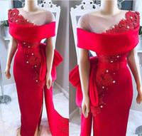 Arabia Saudita Árabe Vestidos de noche rojos Puro cuello Arco Sash Apliques de encaje Perlas de abalorios Satén Lado Dividir Fiesta africana Fiesta formal Vestidos de gala