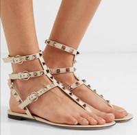 Lussuoso estate di marca Sandali Sexy Ladies Roccia Borchie Sandali appartamenti delle donne del partito di modo di nozze della cinghia della caviglia rock Gladiator Sandals