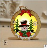 Madera LED Chalet de Navidad colgante con luz de la estrella de madera redonda de la lámpara luminosa del árbol de Navidad del ornamento colgante Decoración Juguetes LJJA3531