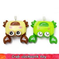 Random Wind Up Saut crabe jouets pour enfants Clockwork Crawling plastique dur Cadeaux mignons Poupée animaux Initiation éducation Jouets pour bébé Personnel