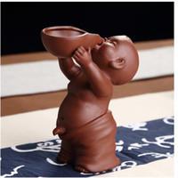 Çay Evcil Süsleme Çin Halk Sanat Mor Kil Dekorasyon El Sanatları Figürinleri Küçük Monk YIXING Erkek Bebek Sprey Çiş Çay Aksesuarları Tercih