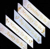 Mode-Mama zu sein, Satin-Band-Schärpe mit Gold Fußabdruck Bär Nanny Oma Tante Große Schwester-Baby-Duschen-Party-Bevorzugungs-Schärpen Weiß
