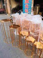pastel de altura de rack hexagonales brillo decoraciones de la boda mesa de postres de metal pantalla de gran telón de fondo de eventos de flores Fiesta de Bienvenida soporte de mesa de postres