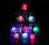 Aoto couleurs Mini Romantique Lumineux Cube LED Artificielle Cube De Glace Flash LED Lumière De Noël Décoration De Fête GB832