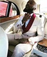 2020 nuevos hombres se adapta al modelo Jacquard por encargo del ajustado de los juegos del novio del smoking del novio de negocios padrinos de boda rojo blanco (chaqueta + pantalones)