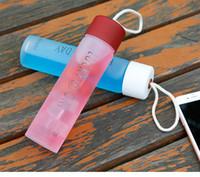 Tumbler-Becher Trinkflaschen Erwachsener Im Freien Sport Fitness Farbe Glas Raum Cup Leicht Korrosionsschutz-Kind-Kind-Kind-Schule Cups tragen