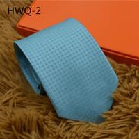 Erkekler resmi iş ipek kravat düğün 7.5 cm düz renk hediye kutusu kravat evlilik