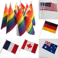 14 * 21CM أعلام قوس قزح 12 أعلام تصميم العلم الوطني على العالم البوليستر اليد يلوحون بلافتات الديكور المنزلي XD20031