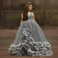 Güzel Gri Spagetti Askı Balo Çiçek Kız Elbise Boncuklu Kristal Tül Dantel Katman Bebek Yarışması Elbise Kid Prenses Balo Elbise