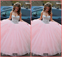 Vestidos 15 anos Pink 2019 Ball Gown Quinceanera Abiti senza spalline senza spalline Dolce 15 anni Crystal Prom Gowns
