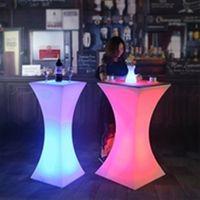2019 Nueva recargable mesa de cóctel LED Discoteca Bar iluminó mesa de café Tiendas de muebles comerciales conjunto de mesa de bar