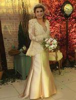 Elegante Champagne Plus Size Abiti da sposa in pizzo con maniche lunghe giacca Mermaid Donne Occasione abito della mamma