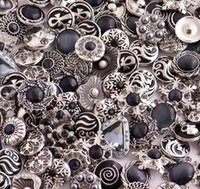 18MM Rivca Snaps bouton Bijoux en strass Perles style mixte Fit Noosa Bracelets en cuir Collier Bijoux bricolage Accessoires DHL