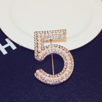 The new fashion luxury rose gold brooch diamond number 5 bro...