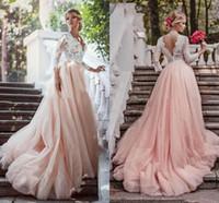 Blush Pink Тюль A Line Свадебные платья Романтический White Lace Top платье невесты Длинные рукава Глубокий V шеи Страна Свадебное платье Платье-де-Novia