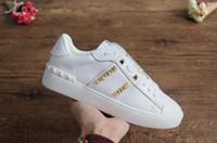 Dikenler Flats Kırmızı Bottoms Çivili Erkek Tasarımcı ayakkabı lüks Bayan Parti Aşıklar Gerçek Deri Ayakkabı Sneakers boyutu 35-46 ayakkabı