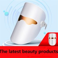 The new LED USB beauty lamp can be easily carried when trave...