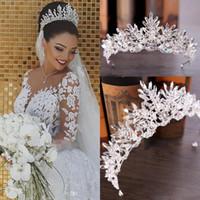 Novos véus nupciais de luxo e Crown Wedding Acessórios de cabelo branco Marfim Longo Cristal Frisado Bling Lace Tulle Catedral Comprimento 3M Igreja Véu