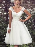 Новые плюс размер свадебные платья короткие половины рукава свадебные платья белые кружевные крытые кнопки Пляжное платье чайная длина
