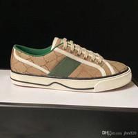 سيدة عارضة أحذية جلدية رياضة خطابات الدانتيل متابعة الترفيه النساء الأحذية منصة أزياء منصة جديد الرجال شقة قماش أحذية كبيرة الحجم 35-45 US4-US11