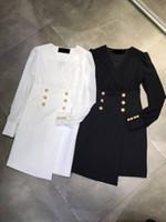 2020 preto / branco leão cabeça botão de metal vestido feminino designer v coleira de mangas compridas Milão pista vestido 2080504